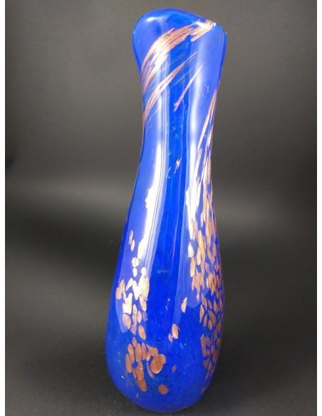 Vaso blu vetro di Murano con inclusioni bronzo h 37 cm - The Glass Cathedral Santa Chiara